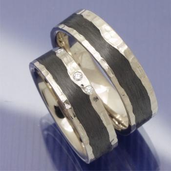 Eheringe-Shop - Hammerschlag Trauringe aus Graugold und Carbon
