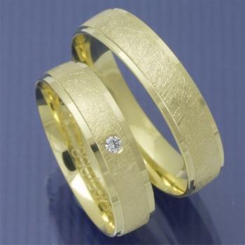 Eheringe gold eismatt  Eheringe-Shop - Eismatt Trauringe aus Gelbgold mit Brillant PA219491